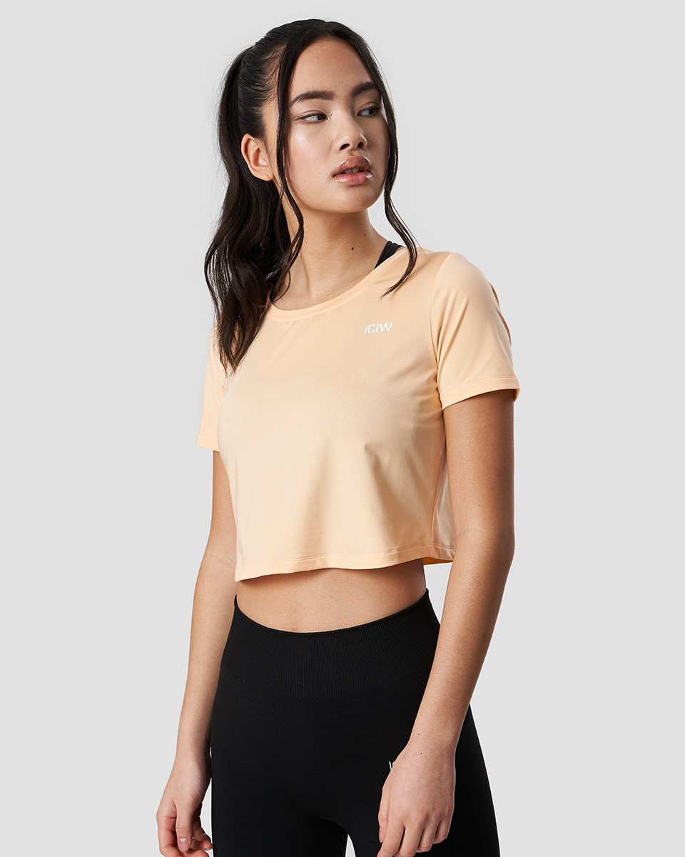 Training Crop Top Cantaloupe Wmn